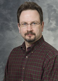 Erik Dent headshot